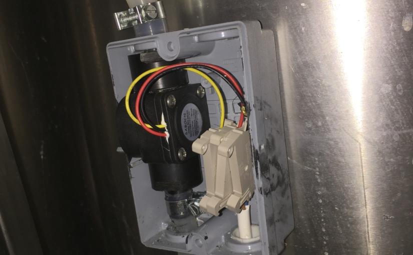 Arduino temperatur, flow og mengdemåler tilskyllevann.